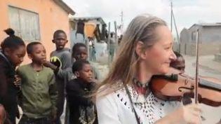 Grand format : les violons d'Afrique du Sud contre les fractures sociales (CAPTURE ECRAN FRANCE 2)