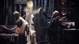 """Laurent Natrella et Christian Hecq dans """"Faust""""  (Vincent Pontet/Comédie-Française)"""