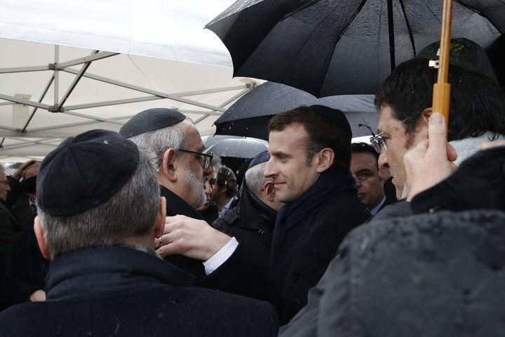 Le président Emmanuel Macron aux obsèques de Mireille Knoll, à Bagneux (Hauts-de-Seine), le 28 mars 2018. (CHRISTOPHE ENA / AP / SIPA)