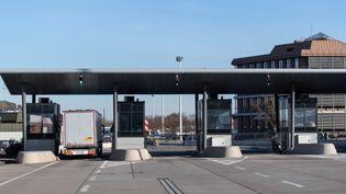 La frontière entre Allemagne et Suisse, le 16 mars 2020. Illustration. (PATRICK SEEGER / DPA)