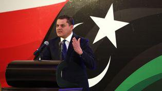 Le Premier ministre libyen par intérim, Abdel Hamid Dbeibah, lors d'une conférence à Tripoli le 25 février 2021. (HAZEM TURKIA / ANADOLU AGENCY)