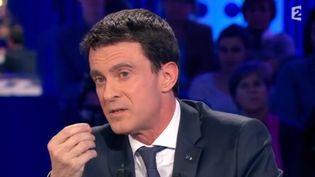 """Manuel Valls sur le plateau de l'émission """"On n'est pas couché"""", le samedi 16 janvier 2016. (FRANCE 2)"""