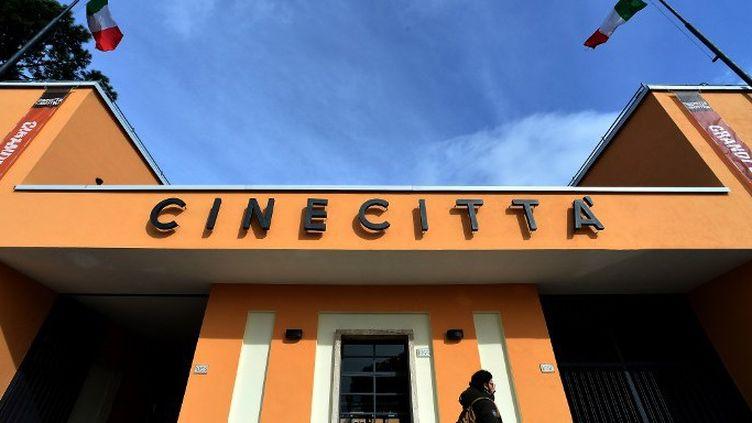 """Après plusieurs années d""""activité au ralenti, les studios Cinecittà attirent de nouveaux les tournages internationaux  (ALBERTO PIZZOLI / AFP)"""