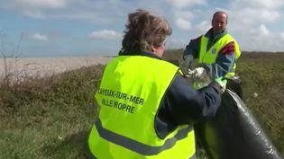 Capture d'écran d'un reportage sur des allocataires du RSA à Cayeux-sur-Mer (Somme), diffusé le 2 mai 2016. (FRANCE 2 / FRANCETV INFO)