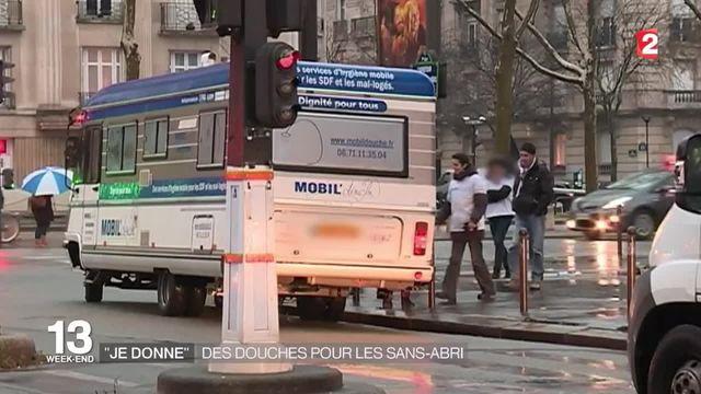 """""""Mobil'douche"""" : une association pour l'hygiène des sans-abri"""