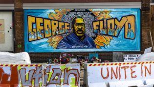 Une fresque à l'effigie de George Floyd, le 3 juin 2021 à Minneapolis. (KEREM YUCEL / AFP)