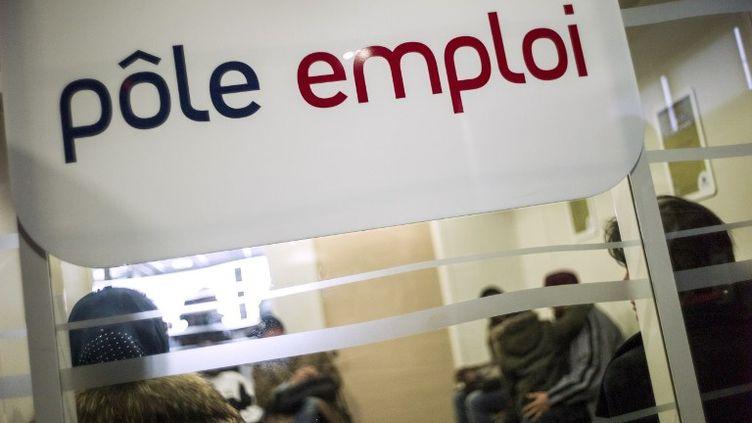 Un bureau de Pôle emploi, à Pantin (Seine-Saint-Denis), le 25 mars 2013. (FRED DUFOUR / AFP)