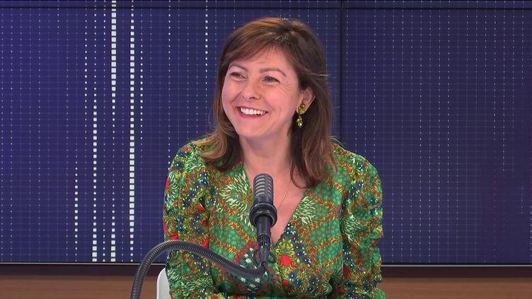 """Carole Delga,présidente PS de la région Occitanie était l'invitée du """"8h30 franceinfo"""", mardi 6 juillet 2021. (FRANCEINFO / RADIOFRANCE)"""