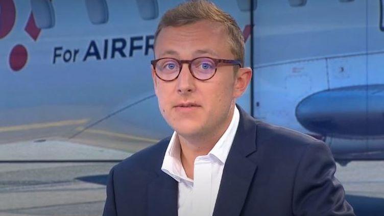 La compagnie aérienne Hop! se trouve actuellement dans la tourmente. Un conseil extraordinaire se tient depuis mercredi 12 août au matin à Nantes (Loire-Atlantique). (FRANCE 3)