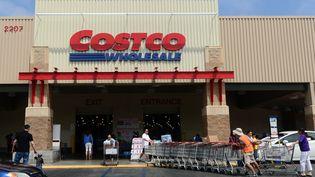 Un magasin Costco à Alhambra, en Californie, aux Etats-Unis. (FREDERIC J. BROWN / AFP)