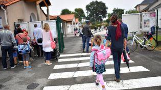 La rentrée scolaire dans une école à Vertou (Loire-Atlantique), le 4 septembre 2017. (LOIC VENANCE / AFP)