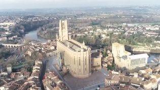 Focus sur Albi, la ville rouge, et sa cathédrale Sainte-Cécile, véritable chef-d'œuvre de l'art gothique méridional. (France 3)