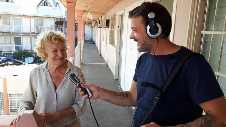 Notre reporter Matthieu Mondoloni sur l'île de Saint Martin après le passage du cyclone Irma. Septembre 2017.  (ARTHUR GERBAULT / FRANCEINFO / RADIO FRANCE)