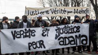 """Une manifestation afin de réclamer """"vérité et justice"""" pour Adama Traoré, en présence de sa famille, à Lyon le 22 janvier 2017. (?NICOLAS LIPONNE/WOSTOK PRESS / MAXPPP)"""