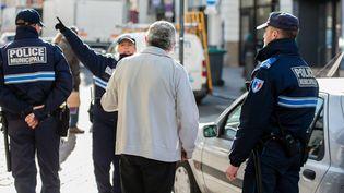 La police municipale d'Arras en patrouille, le 08 mars 2016 (illustration). (MAXPPP)