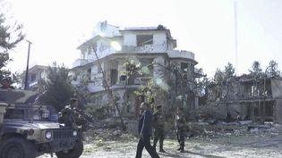 Afghanistan : les talibans revendiquent l'attaque-suicide contre le ministre de la Défense  (FRANCE 2)