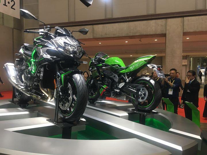 De la technologie et du sport chez Kawasaki avec ces modèles ZX. (SERGE MARTIN FRANCE INFO)