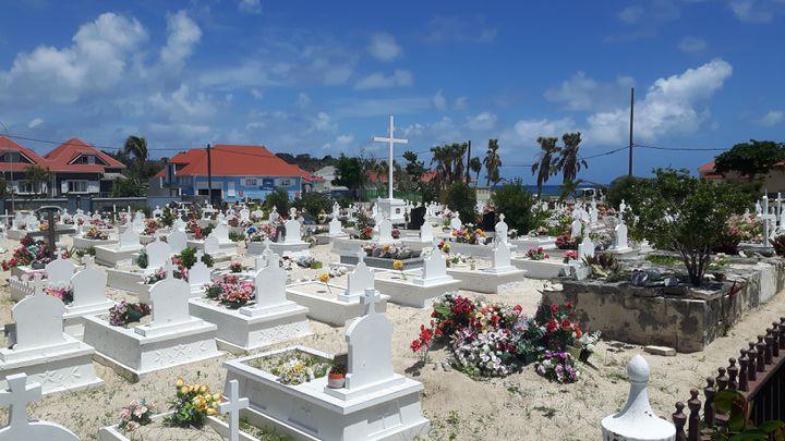 Le cimetière de Lorient, à Saint-Barthélemy, en mai 2018. (JÉRÔME VAL / RADIO FRANCE)