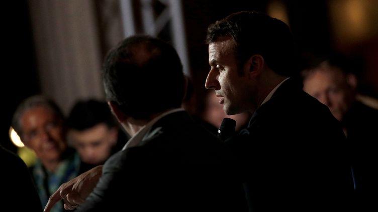 Le président de la République, Emmanuel Macron, s'exprime devant les 150 membres de la Convention citoyenne pour le climat, le 10 janvier 2020, à Paris. (YOAN VALAT / REUTERS)
