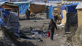 Le camp de migrants de Calais (Pas-de-Calais), le 16 mars 2016. (PASCAL ROSSIGNOL / REUTERS)