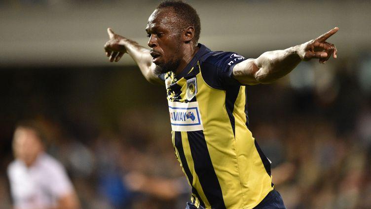 Usain Bolt, le 12 octobre 2018, lors d'un match desCentral Coast Mariners contre le club de Macarthur South West United, à Sydney. (PETER PARKS / AFP)