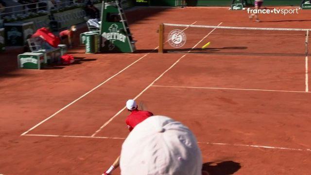 Finale messieurs : Djokovic plante Tsitsipas avec un coup droit long de ligne