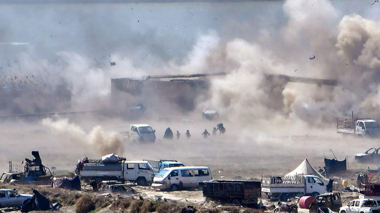 Les environs de Baghouz, dernier bastion du groupe Etat islamique en Syrie, le 18 mars 2019. (GIUSEPPE CACACE / AFP)