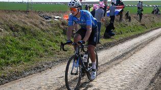 Le coureur belge Michael Goolaerts, lors de Paris-Roubaix, le 8 avril 2018. (STEPHANE MORTAGNE/LA VOIX DU NORD/MAXPPP)