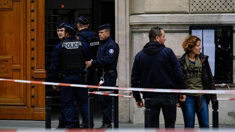 La préfecture de Paris est bouclée après l'attaque qui a fait quatre morts, le 3 octobre 2019. (DENIS MEYER / HANS LUCAS)