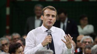 Trois jours après son grand oral à Grand Bourgtheroulde, dans l'Eure (ci-contre),Emanuel Macron se rend vendredi 18 janvier à Souillac, dans le Lot, pour ce deuxième acte du grand débat national. (LUDOVIC MARIN / AFP)