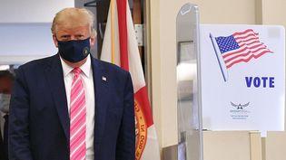 Le président américain, Donald Trump, le 24 octobre 2020 à West Palm Beach (Etats-Unis). (MANDEL NGAN / AFP)