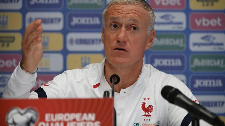 Le sélectionneur de l'équipe de France, Didier Deschamps, en conférence de presse le 3 septembreà Kiev à la veille du match de qualifications pour la Coupe du monde 2022 contre l'Ukraine. (FRANCK FIFE / AFP)