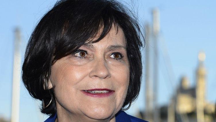 Marie-Arlette Carlotti, ministre déléguée aux Personnes handicapées (PS), et candidate à la mairie de Marseille, ici dans la cité phocéenne le 21 mars 2013. (GERARD JULIEN / AFP)