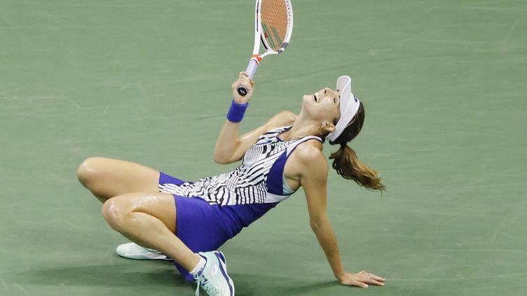 La Française Alizé Cornet frustrée sur le court de l'US Open (JASON SZENES / EPA)