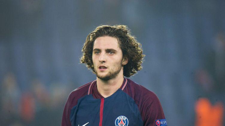 Le milieu de terrain du PSG, Adrien Rabiot, au Parc des Princes, à Paris, le 6 mars 2018. (PIERRE CHARLIER / AFP)
