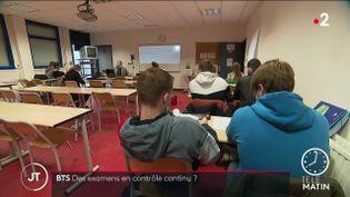 Des étudiants en classe de BTS. (France 2)