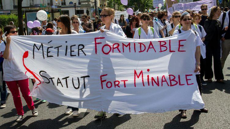05 Mai 2014 Manifestation national a l'appel du collectif des sages femmes pour le reconnaissance de leur profession. (  MAXPPP)