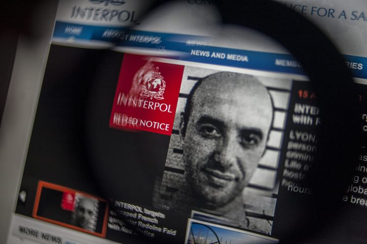 L'avis de recherche du braqueur Redoine Faïd,sur le site internet d'Interpol, le 15 avril 2013. (MAXPPP)