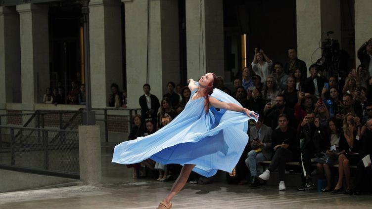 Défilé Issey Miyake prntemps-été 2020, à la Paris Fashion Week, le 27 septembre 2020 (FRANCOIS MORI/AP/SIPA / SIPA)