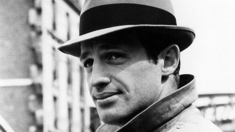"""L'acteur Jean-Paul Belmondo dans le film """"Le Doulos"""", sorti en 1962. (COMPAGNIA CINEMATOGRAFICA CHAMPI / COLLECTION CHRISTOPHEL / AFP)"""
