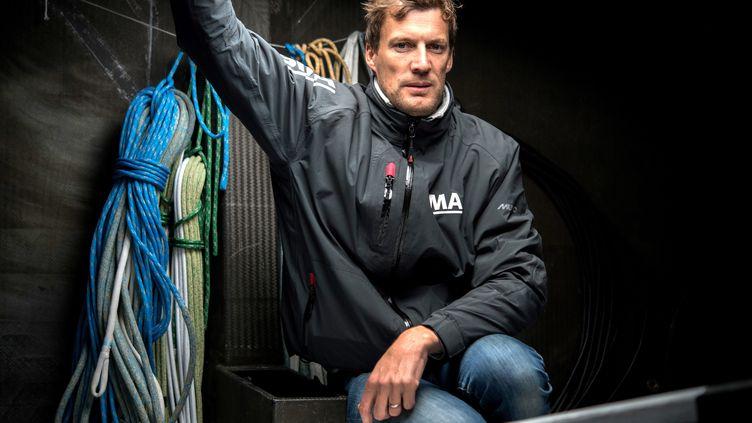 Paul Meilhat, à bord de son navire au départ de la Route du Rhum 2018. (FRED TANNEAU / AFP)
