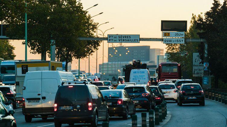 Des embouteillages sr le périphérique à Paris, le 7 novembre 2017. (SIMON GUILLEMIN / HANS LUCAS)