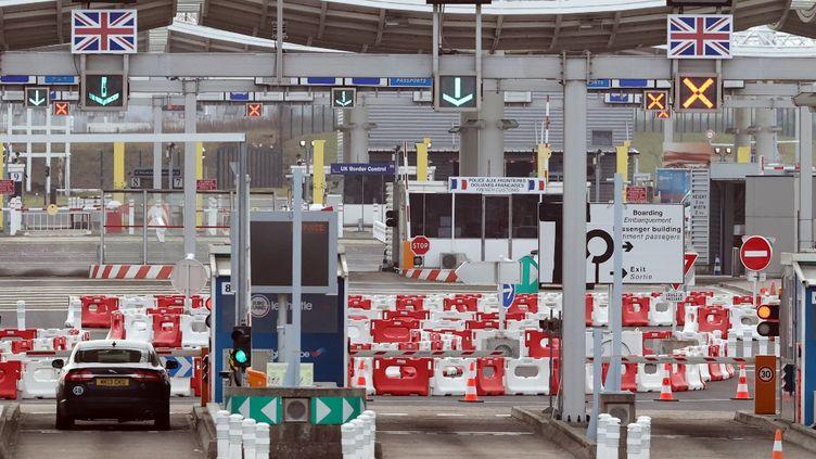 La frontière entre la France et le Royaume-Uni, à Calais (Pas-de-Calais), le 5 mars 2021. (DURSUN AYDEMIR / ANADOLU AGENCY / AFP)