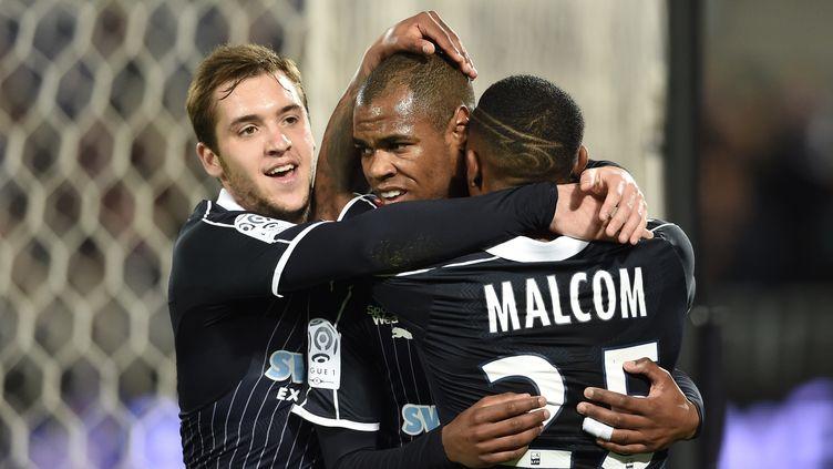 Diego Rolan (au centre), l'attaquant des Girondins, a signé un doublé contre Montpellier. (NICOLAS TUCAT / AFP)