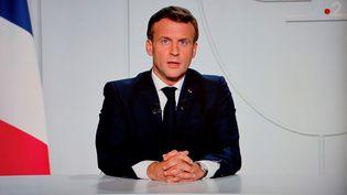 Emmanuel Macron annonce le reconfinement du territoire français depuis l'Elysée (Paris), le 28 octobre 2020. (LUDOVIC MARIN / AFP)