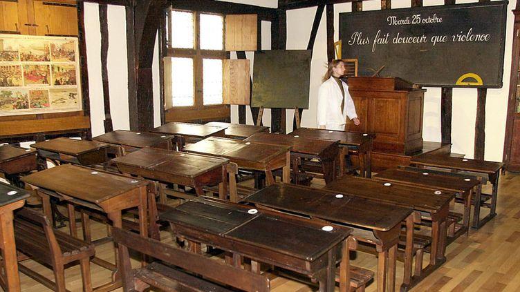 Reconstitution d'une classe des années 1880/1890, Musée National de l'Education  (MEHDI FEDOUACH / AFP)