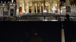 La place Saint-Pierre de Rome (Vatican), le 30 mars 2019. (ANDREAS SOLARO / AFP)