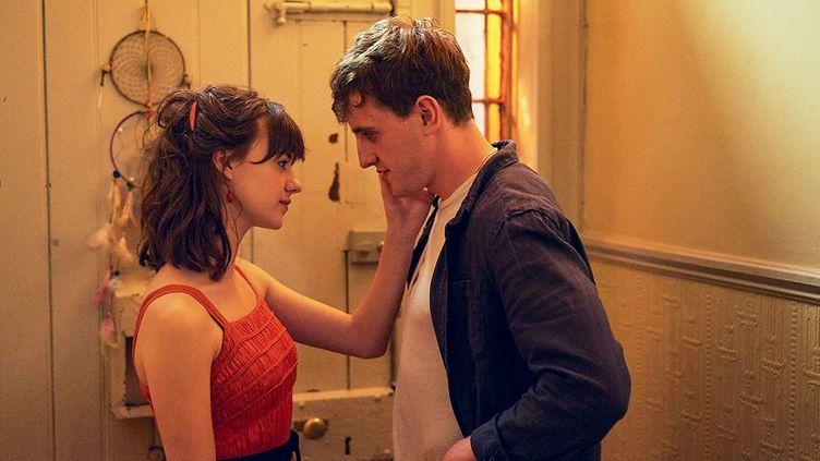 Dans Normal People, Connell et Marianne sont deux jeunes irlandais qui ont une relation intense. (STARZPLAY)