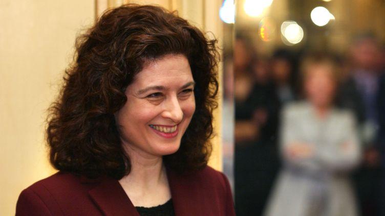 La journaliste Ursula Gauthier, lors de la remise des prix Louis Hachette, à Paris, le 6 février 2003. (ERIC FEFERBERG / AFP)