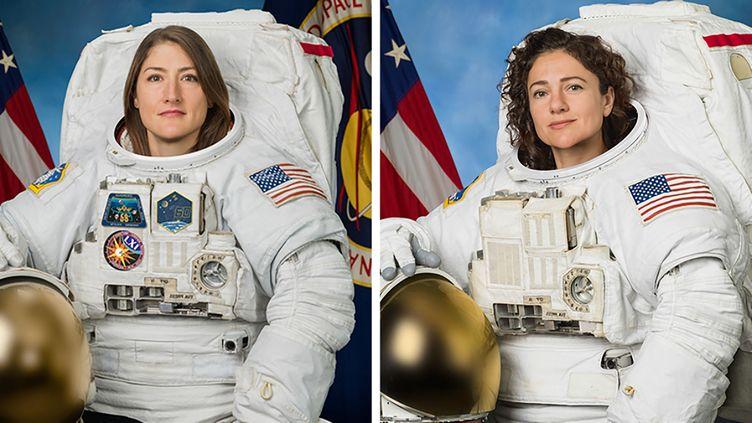 Les astronautes Christina Koch et Jessica Meir dans leur combinaison spatiale. (NASA / AFP)